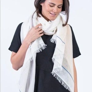 Bloom and Give Bela scarf new / sealed